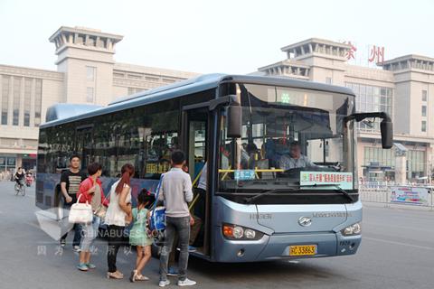 海格气电混合动力公交在徐州火车站