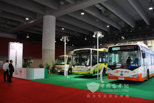 广汽比亚迪新能源客车有限公司展台高清图片