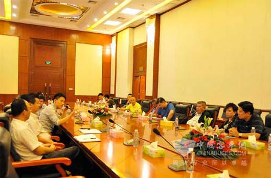 欢迎泰国代表团到访五洲龙