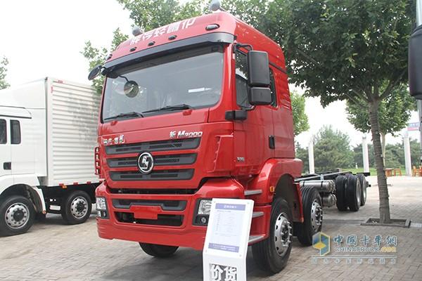 王成林选择陕汽德龙新M3000 8X4载货车