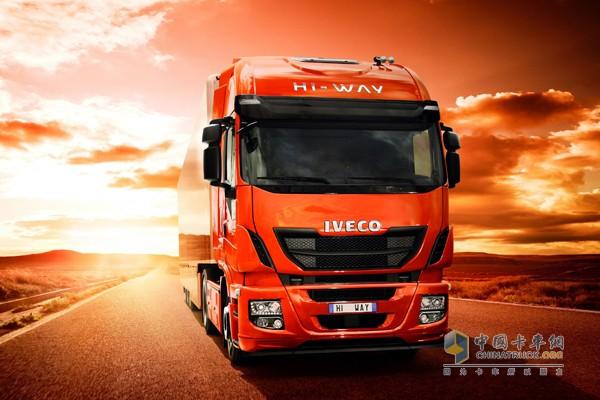 获得2013年度国际卡车的New Stralis