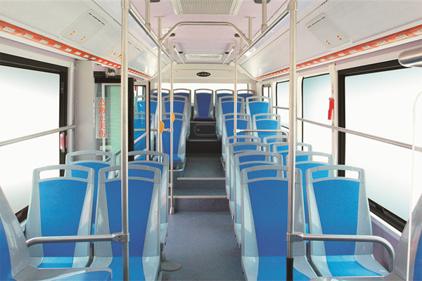 比亚迪K8车型内部座椅图