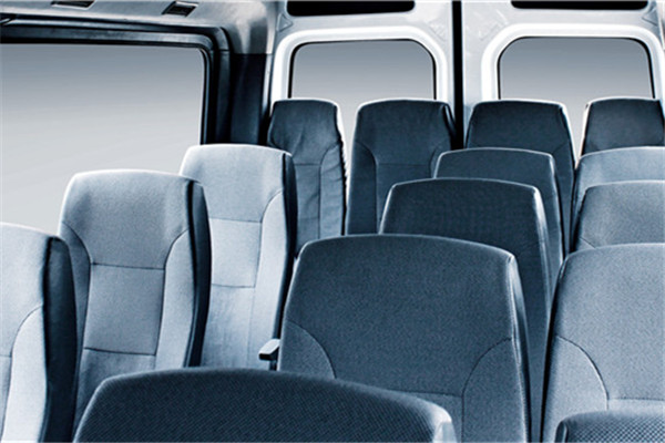 南京金龙NJL6600BEV66客车(纯电动10-18座)
