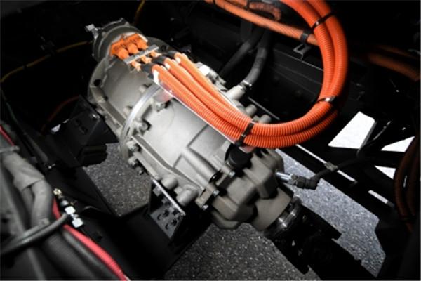 即插即用 灵活布置 采埃孚中央电驱动系统CeTrax即将量产