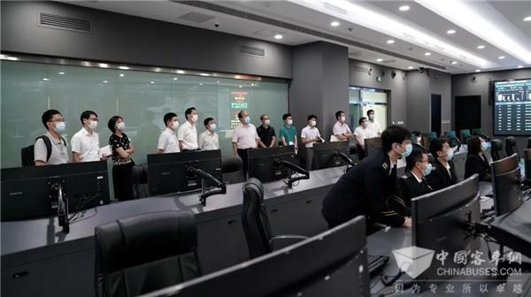 北京市自动驾驶示范区工作专班到北京公交调研指导自动驾驶发展工作