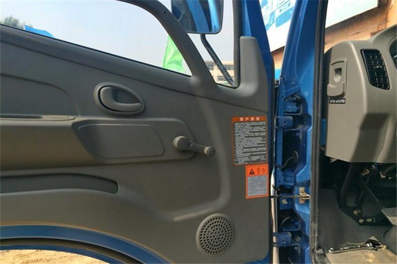 奥驰 T3系列 115马力 3.64米 4X2 国四排半自卸车(FD3043P10K4)驾驶室图片