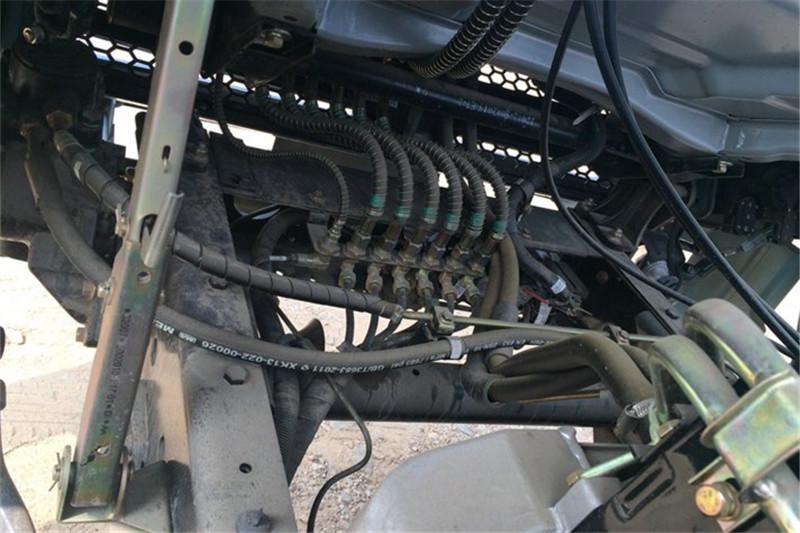 奥驰 T3系列 115马力 3.64米 4X2 国四排半自卸车(FD3043P10K4)底盘图片
