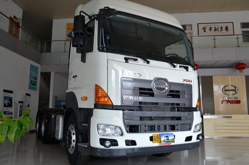 广汽日野 700系列重卡 420马力 6X4 国四牵引车(YC4250SS2PK4)外观图片