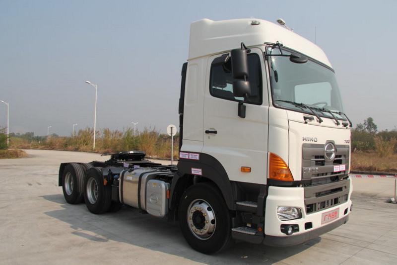 广汽日野 700系列重卡 380马力 6X4 国五牵引车(高顶)(YC4250SS2PL5)