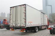 一汽解放 J6P重卡 260马力 6X2 8.7米 国四厢式载货车(CA5200XXYP63K1L6T3E4)