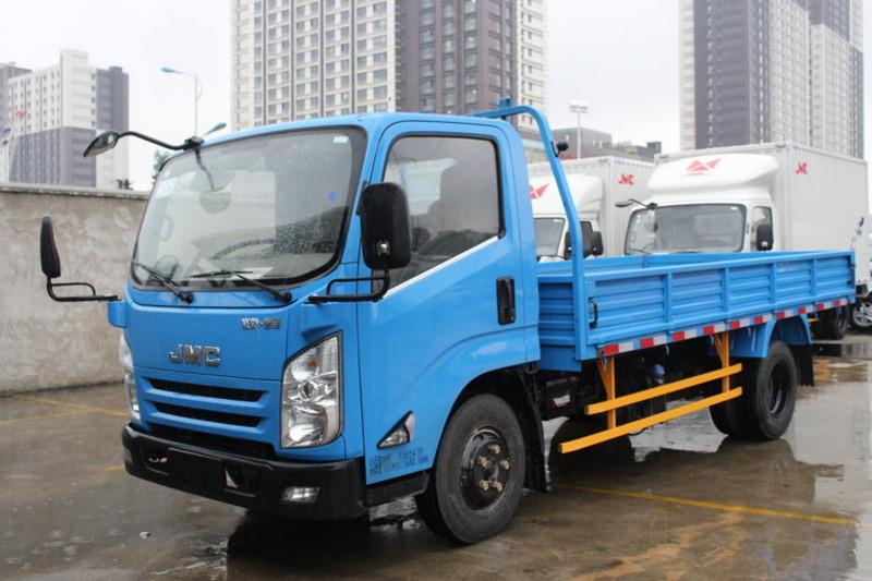江铃 凯运升级版 中体 116马力 4X2 3.7米 国五排半厢式轻卡(液刹)(JX5040XXYXPGH2)