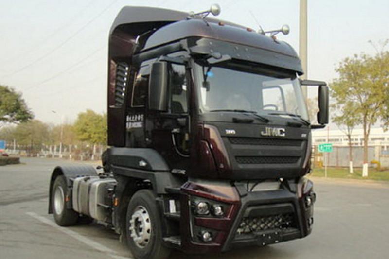 江铃重汽 福特Cargo重卡 365马力 4X2 国五牵引车(SXQ4180J1A2D5)