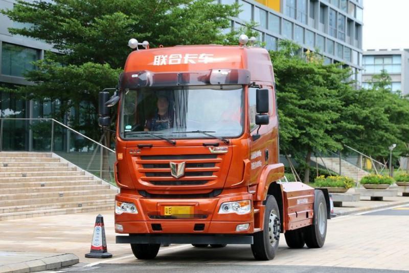 联合卡车 V290重卡 290马力 4X2 国四 牵引车(SQR4181D6Z-3)