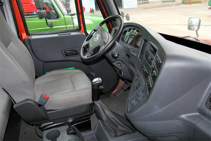 一汽解放柳特 安捷(L5R)重卡 350马力 6X4 国五牵引车(CA4255K2E5R5T1A92)驾驶室图片