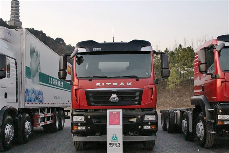 中国重汽 SITRAK C5H重卡 280马力 6X4 国四油罐车底盘(ZZ1266M504GD1