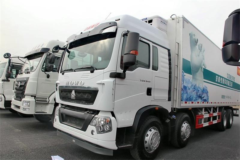中国重汽 HOWO T5G 340马力 8X4 国四冷藏车(JYJ5317XLCD)