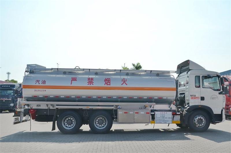 中国重汽 HOWO T5G 240马力 6X4 国四油罐车(ZZ1257M464GD1)