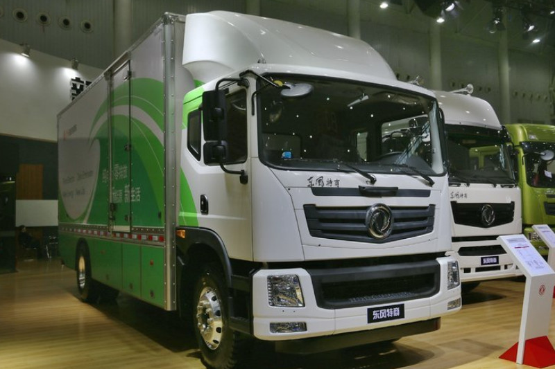 东风特商 中卡 165马力 4X2 6.7米 零排放 厢式载货车(纯电动)(EQ5160XXYTBEV)